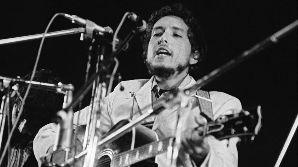 "Letra de canción de Bob Dylan ""Times They Are A-Changin'"" en venta por 2,2 mln dlr"