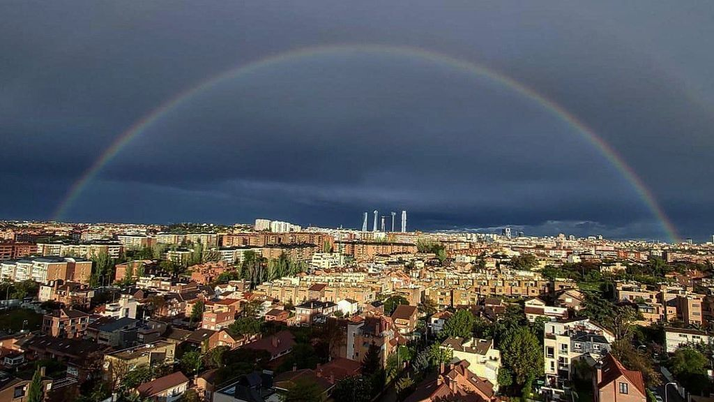Madrid desierto y arcoíris: de las estampas más bonitas que se han visto en la capital