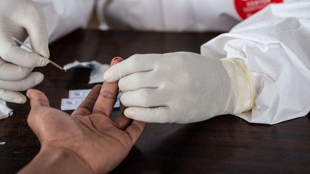 Francia registra otras 531 muertes por coronavirus pero los pacientes de UCI continúan bajando