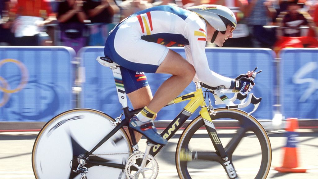 Abraham Olano corriendo en una competición