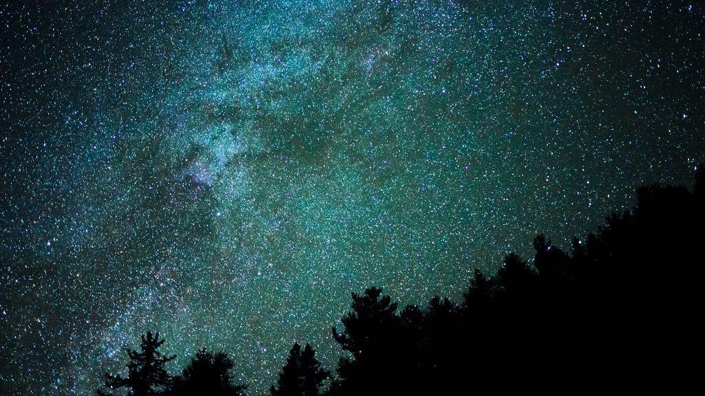 No son OVNIS: qué son las luces y los sonidos que hemos visto en el cielo estas noches de cuarentena
