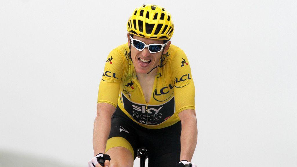 Maillot disputando una carrera del Tour de Francia con el maillot amarillo