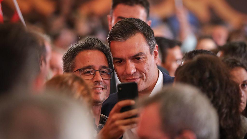 Twitter investiga si la cuenta de Pedro Sánchez en la red social es seguida por perfiles falsos