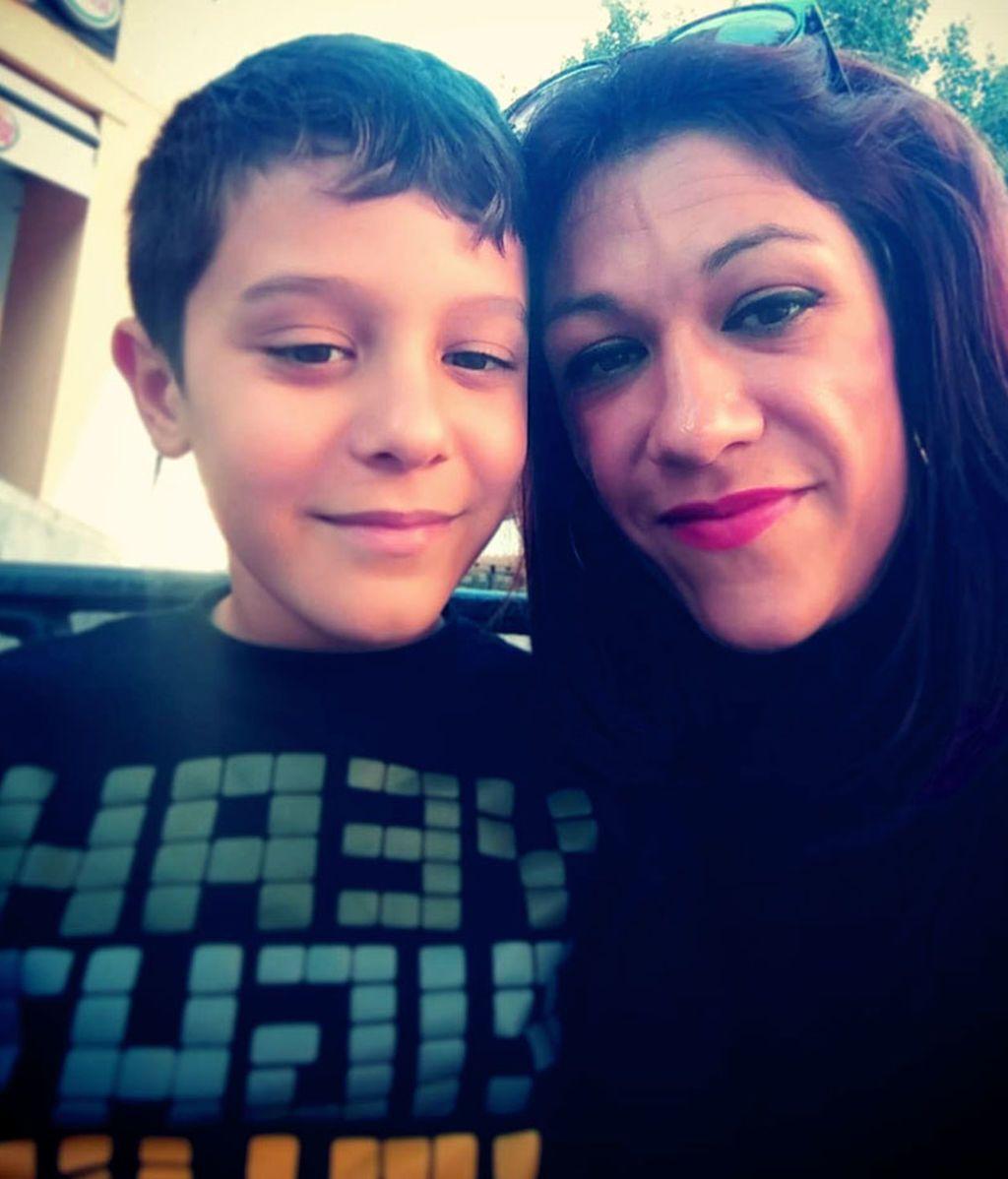 Darío Domínguez y su madre