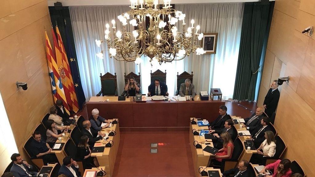 Dos exediles se disputan la alcaldía en Badalona tras la salida de Pastor