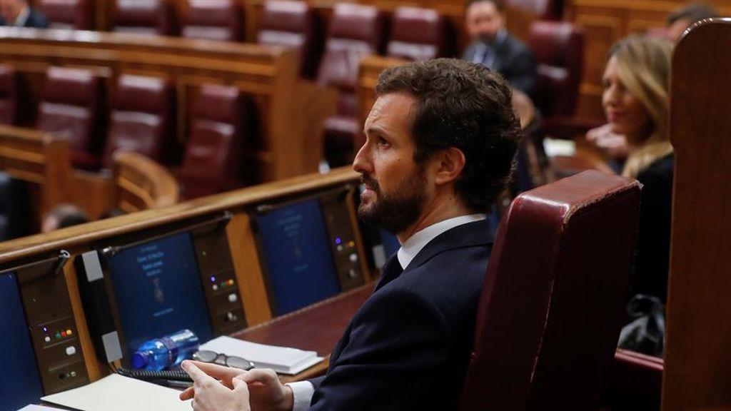 Pablo Casado asiste al pleno del Congreso