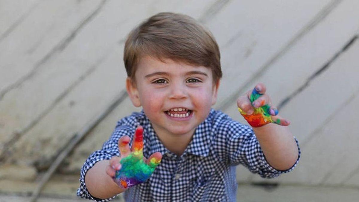Los Duques de Cambridge publican fotos inéditas del pequeño Louis en su segundo cumpleaños