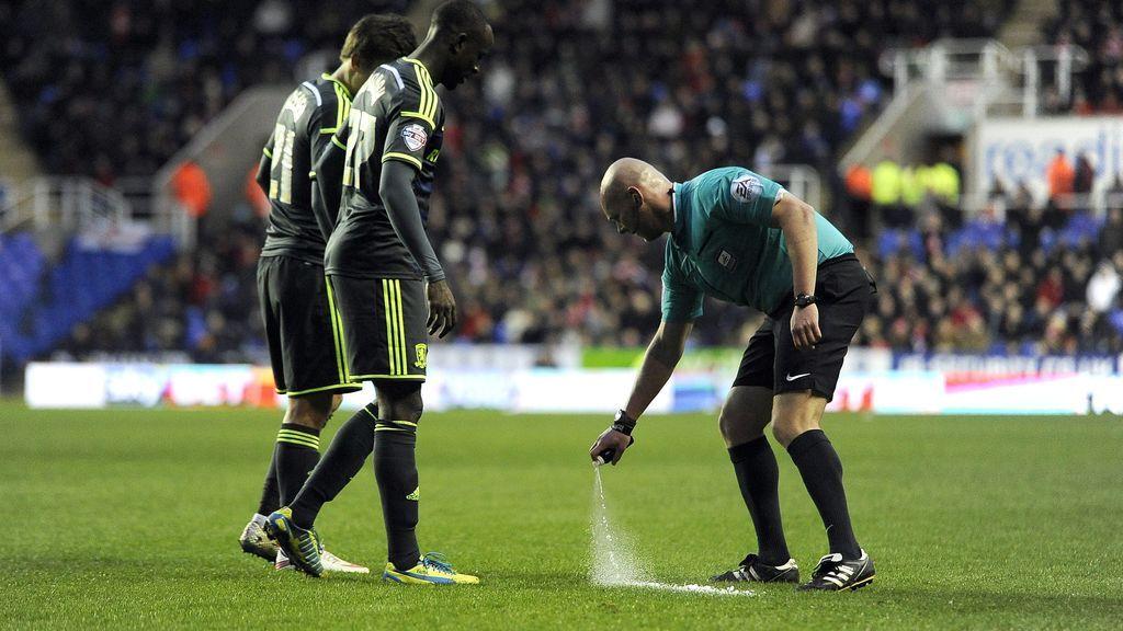 Las prohibiciones que tendrán los jugadores durante un partido: no podrán escupir ni sonarse la nariz