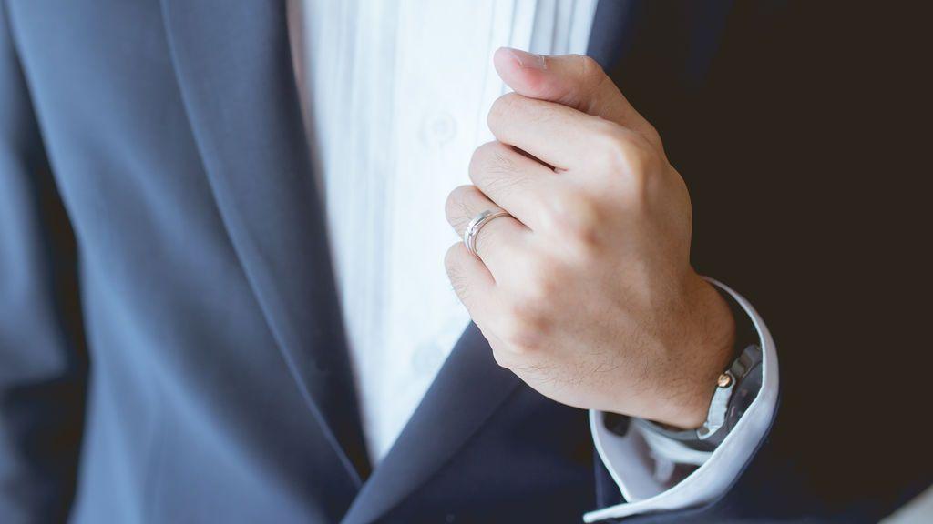 El anillo de boda y el reloj: cómo desinfectar dos objetos que casi nadie se quita nunca