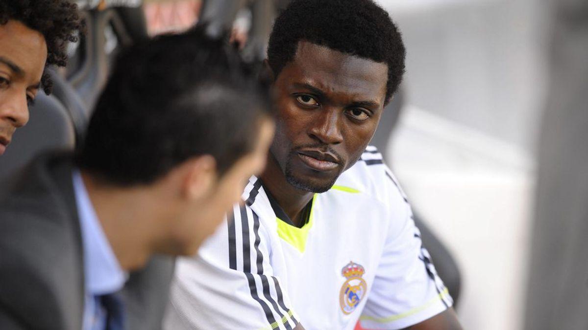 Adebayor, antes de un partido con el Real Madrid.