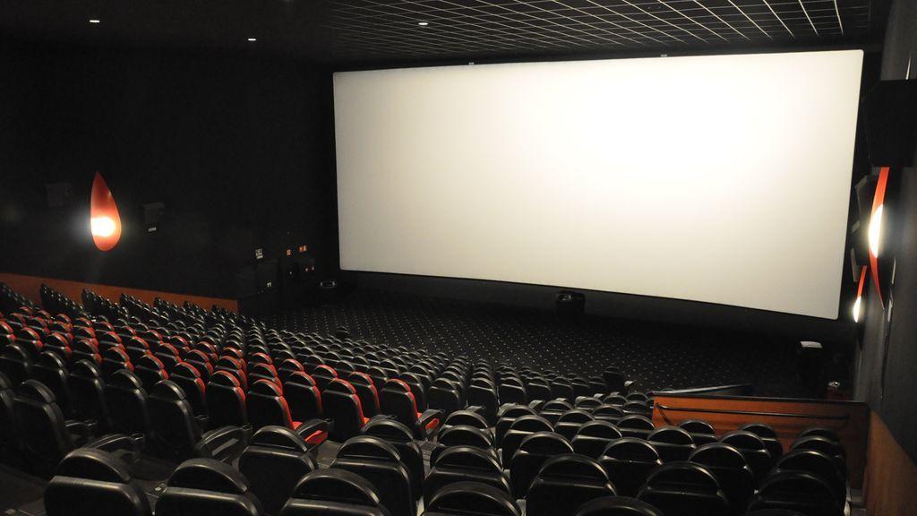 Las salas de cine confían abrir en julio con limitaciones de aforo