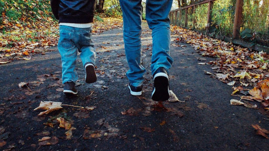 Guía esencial para padres: cómo debe ser el paseo con los niños