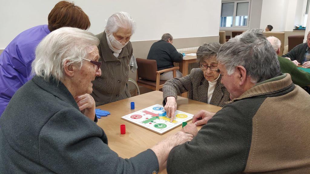 Las residencias preguntan al Gobierno: ¿Los ancianos no tienen los mismos derechos que los niños?