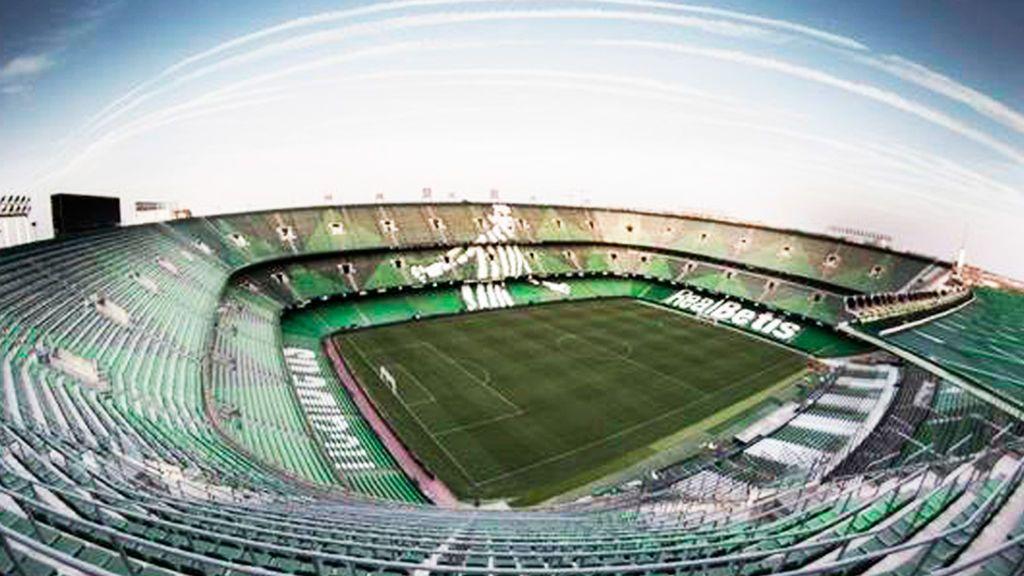 interior del estadio Benito Villamarín, donde juega el Betis