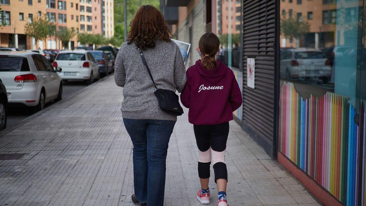 El Gobierno excluye de los paseos a los chicos de 14 años, que podrán salir solos a hacer recados
