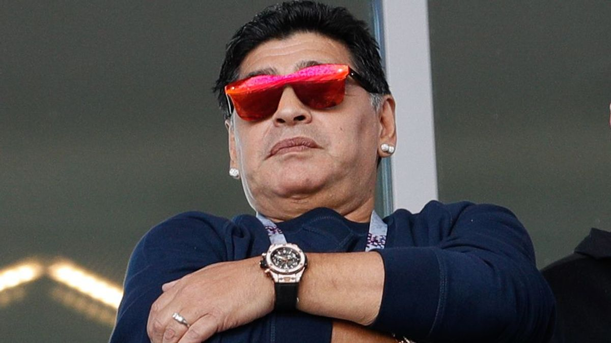 """Maradona compara la vuelta del fútbol con las mujeres: """"Va a ser como cuando vuelves a ver a tu novia después de vacaciones"""""""