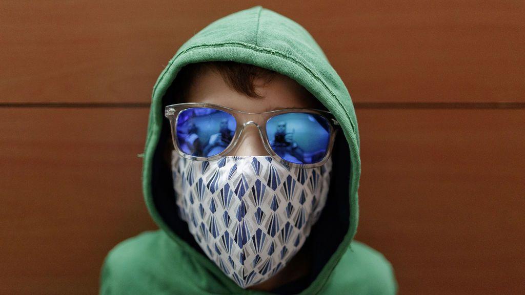 Los niños vuelven a la calle tras seis semanas confinados por el coronavirus (Madrid)