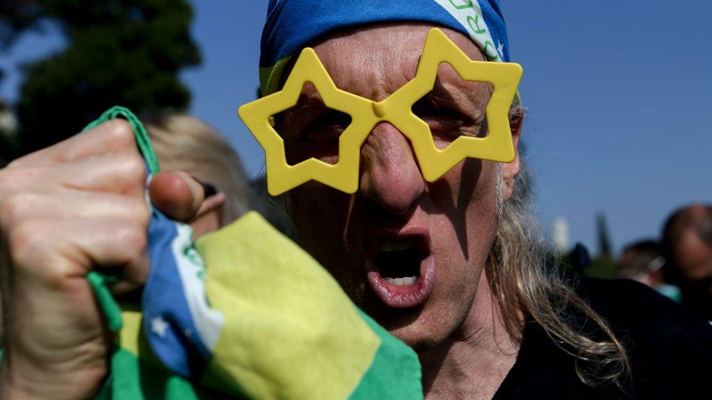 EuropaPress_2908065_25_april_2020_brazil_sao_paulo_supporter_of_brazilian_president_jair