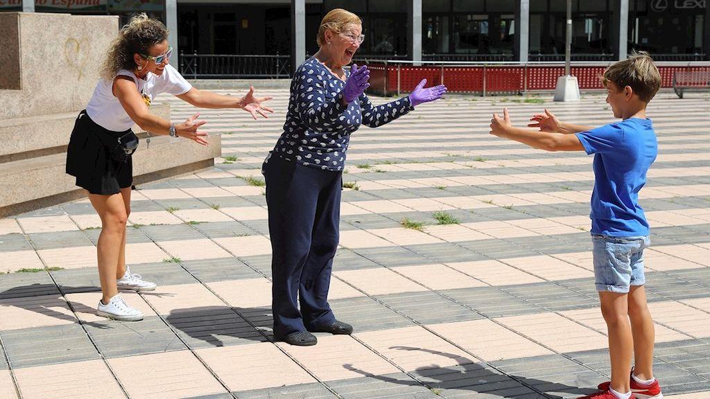 Los niños vuelven a la calle tras seis semanas confinados por el coronavirus (Las Palmas de Gran Canaria)