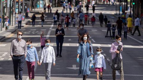 Niños en la calles, de nuevo: así transcurre el primer día de ...