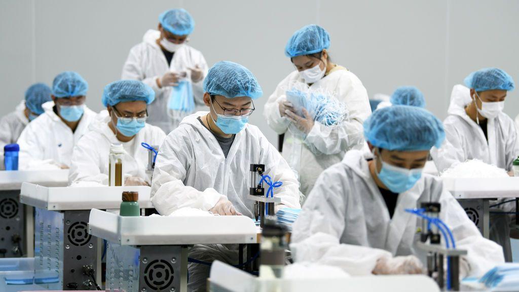 China confisca 89 millones de mascarillas 'fake'