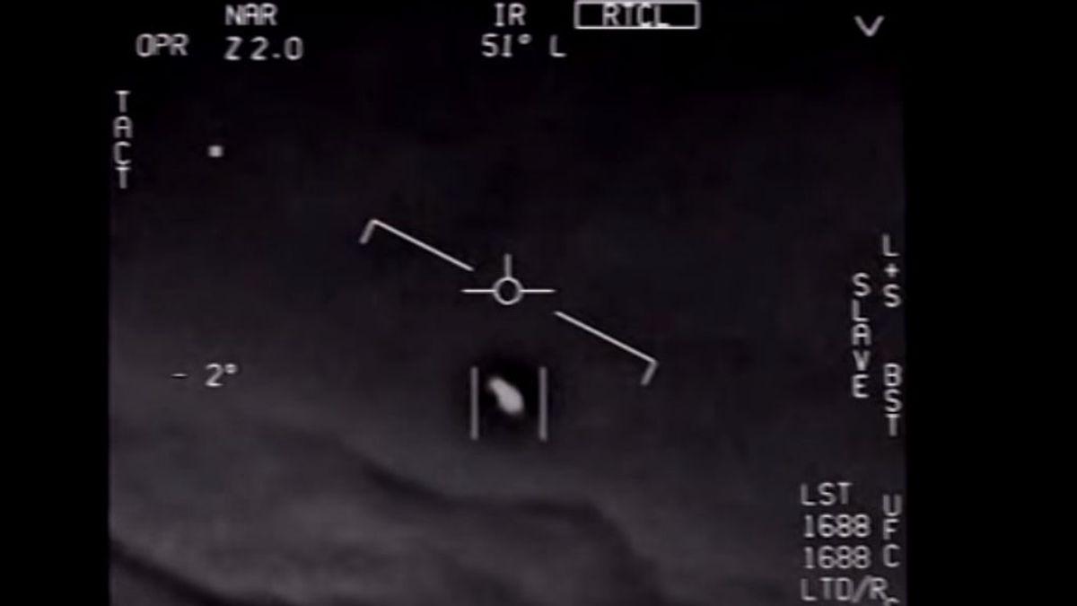 EEUU desclasifica tres vídeos en los que reconoce el avistamiento de tres ovnis