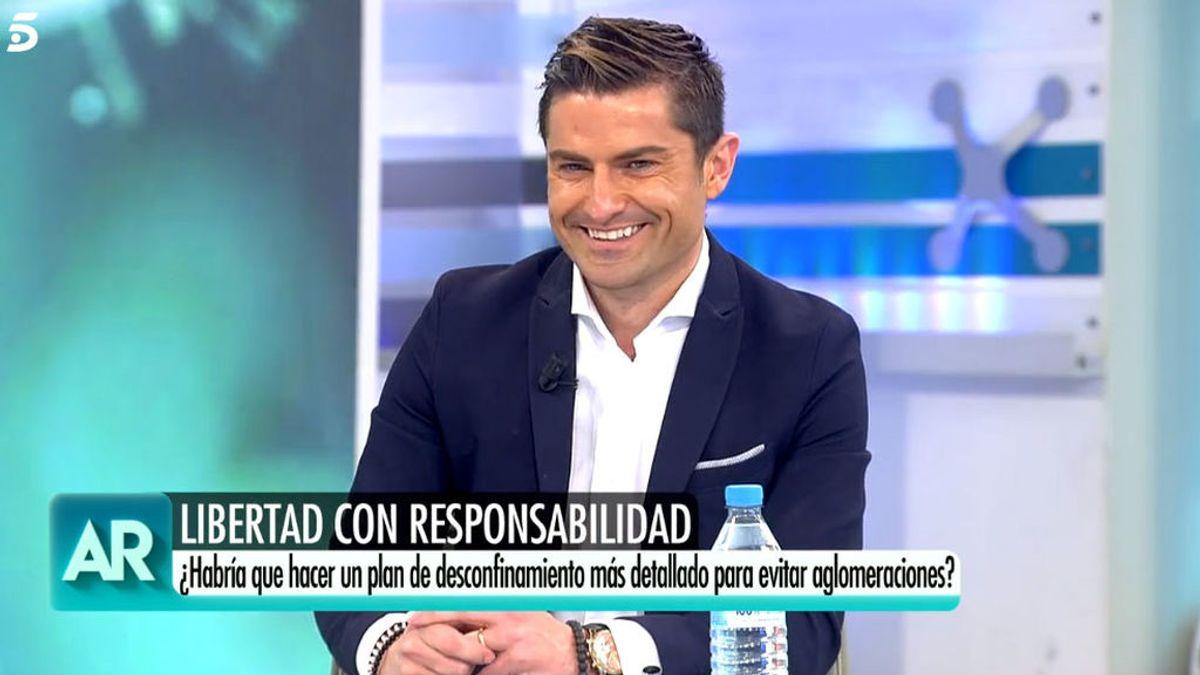 """El """"pobre"""" Alfonso Merlos da la cara con Ana Rosa: """"¿Tú guardas la distancia de seguridad?"""""""