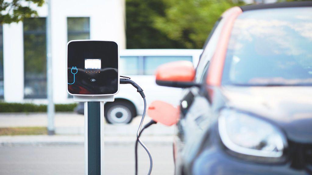 Los coches eléctricos más rápidos del mercado, respetuosos con el medio ambiente sin perder potencia