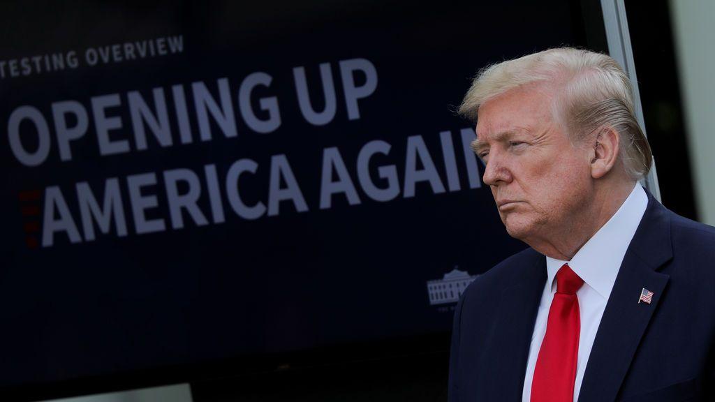 """Trump  """"no puede imaginar por qué"""" han aumentado las intoxicaciones por desinfectantes"""