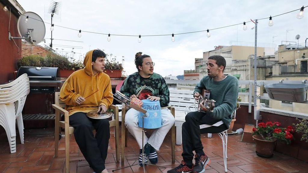 Michael Bubblé versiona la canción 'Gotta be pattient ' del trío catalán Stay Homas