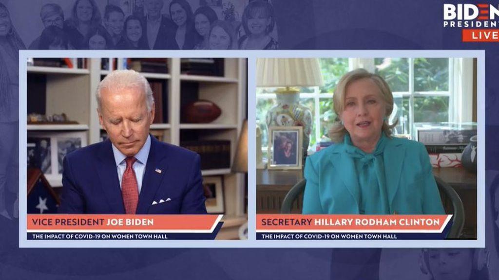 ¿Se echa Joe Biden una cabezada durante una entrevista con Hillary Clinton?