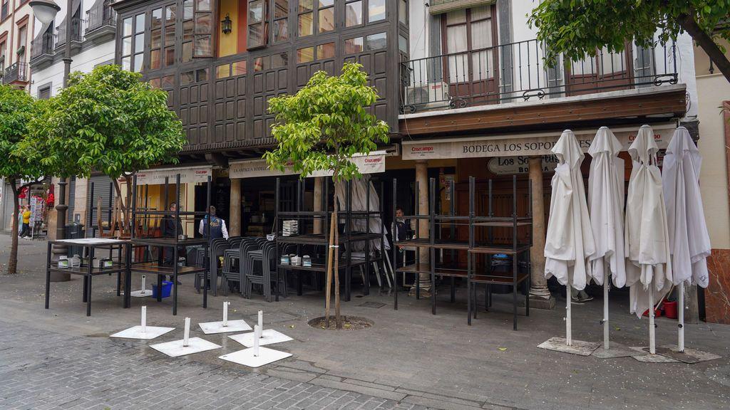 EuropaPress_2718269_bar_plaza_salvador_cerrado_sevilla_14_marzo_2020 (1)