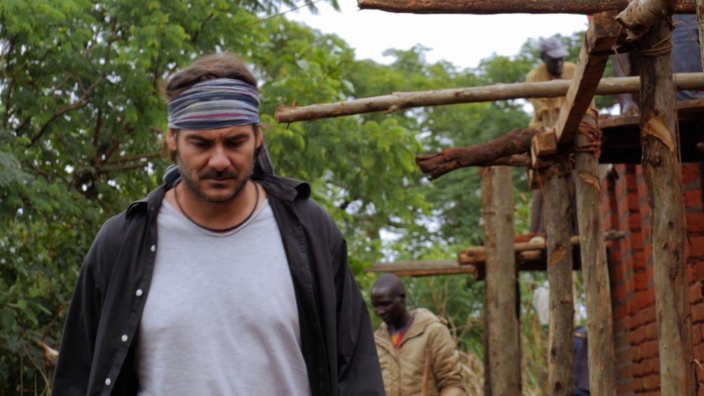 José Antonio está desesperado: les roban, deben 6.000 euros y es imposible acabar la escuela
