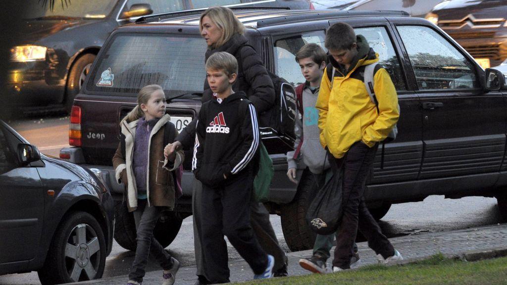 La infanta Cristina, con sus cuatro hijos