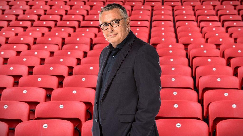 Cádiz propone cambiar a Estadio Michael Robinson el nombre del Carranza