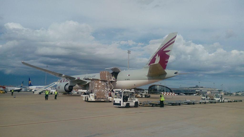 Los aeropuertos de Aena ha transportado casi 67.000 toneladas de medicinas y alimentos desde el estado de alarma