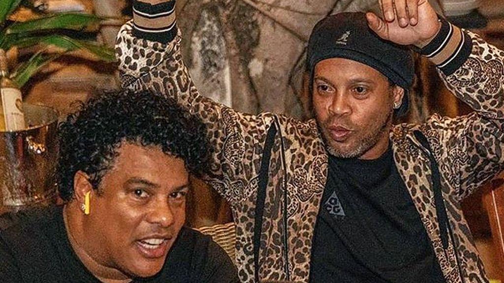 Señalan que el viaje de Ronaldinho que acabó en la cárcel está relacionado con apuestas ilegales en una discoteca