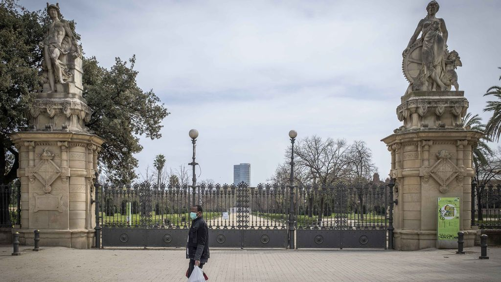 Barcelona se suma a otras ciudades españolas y reabre la mitad de sus parques tras cerrar el 14 de marzo