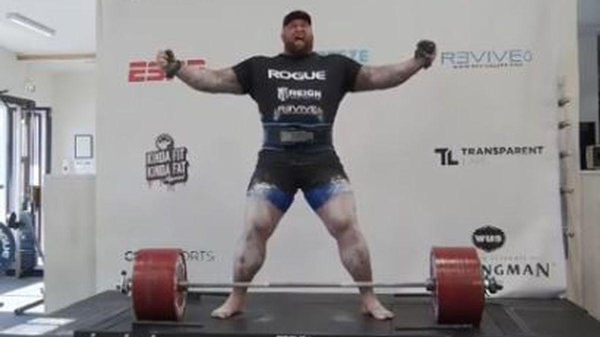 La 'Montaña' Bjornsson levanta más de 500 kilos como récord del mundo