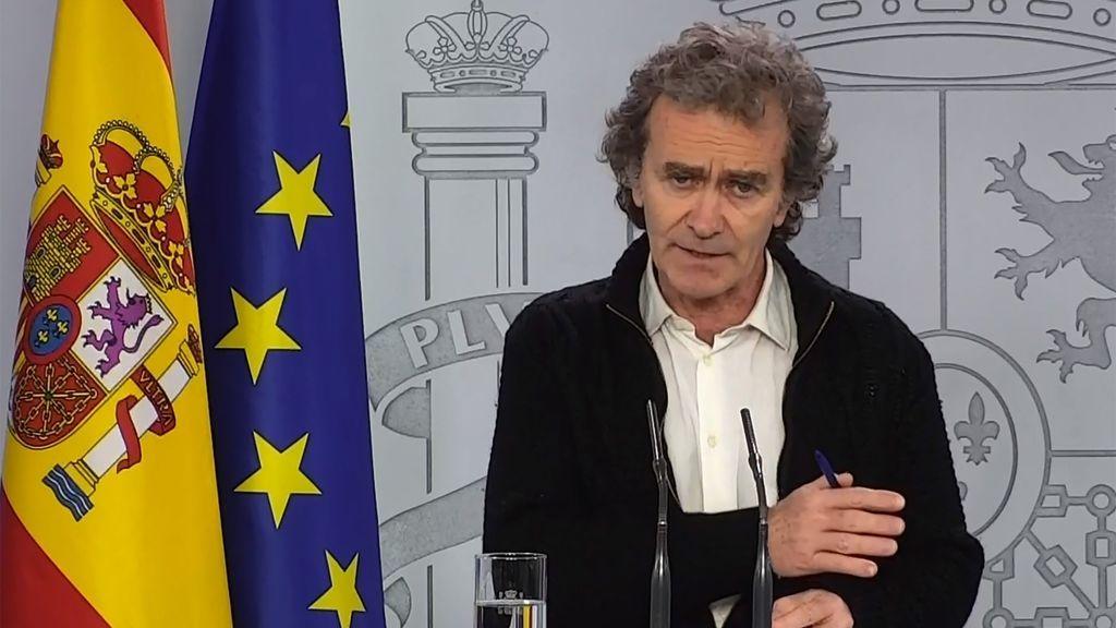 """Fernando Simón: """"Tenemos muchos indicadores que marcan una línea descendente clara"""""""