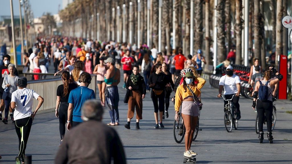 Aglomeraciones en algunas ciudades en el primer día de salida a hacer deporte