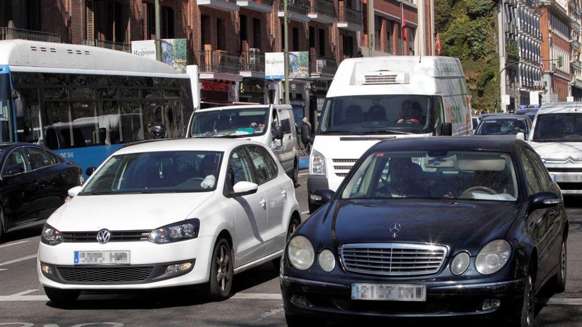 Los coches privados podrán circular llenos en la fase 1, siempre que las personas vivan juntas