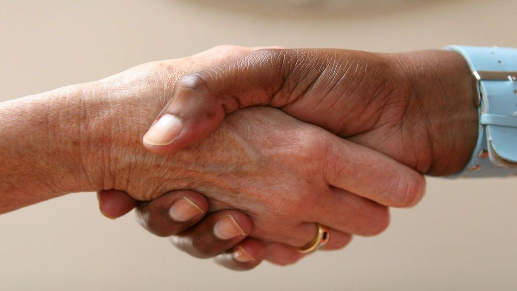 Quiero donar mi herencia a una ONG, ¿qué debo saber?