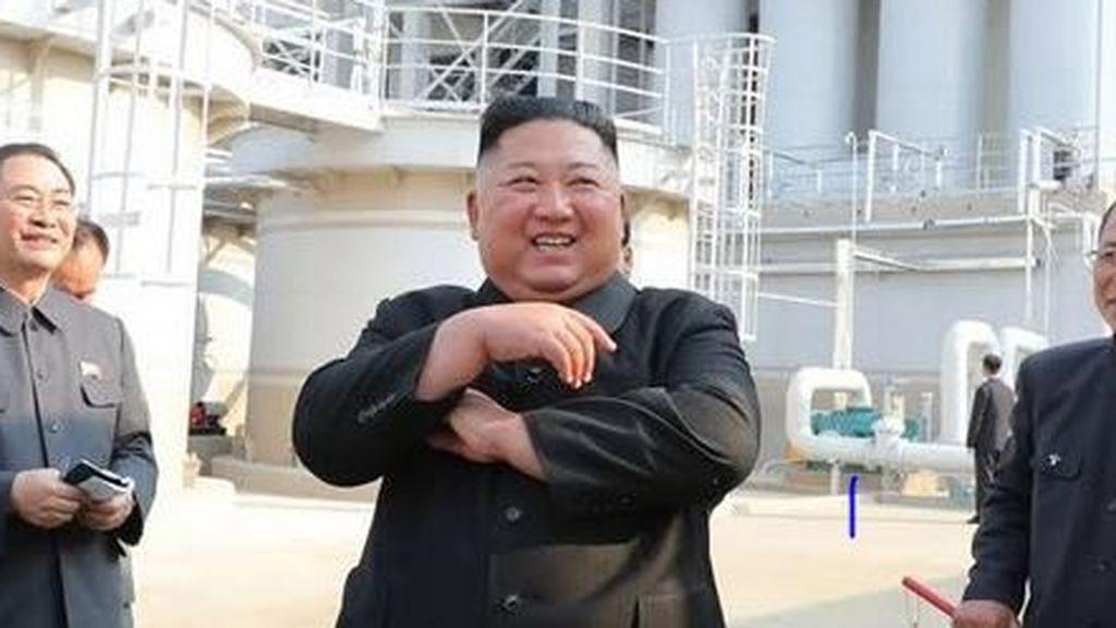 Kim Jong Un reaparece con una misteriosa marca en una de sus muñecas