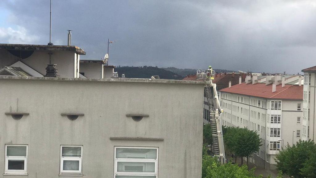 Un temporal provoca varios destrozos en casas y caídas de árboles en el norte de España