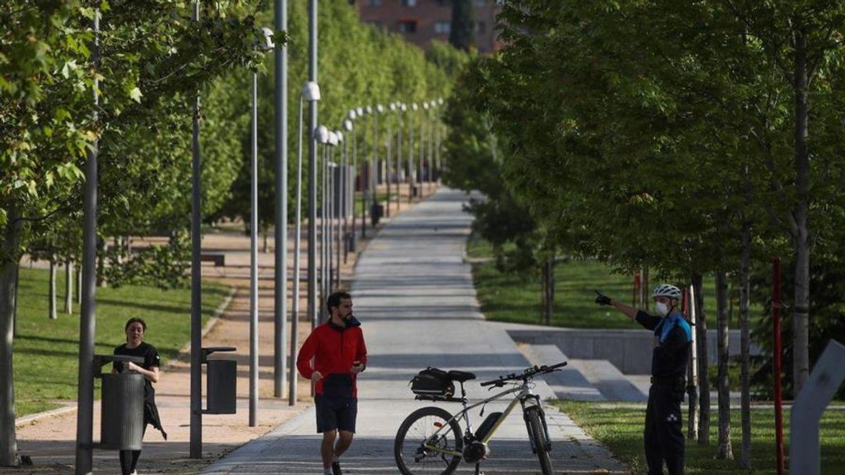 "Madrid estudia peatonalizar calles pero ""no ve todavía"" apertura de parques"