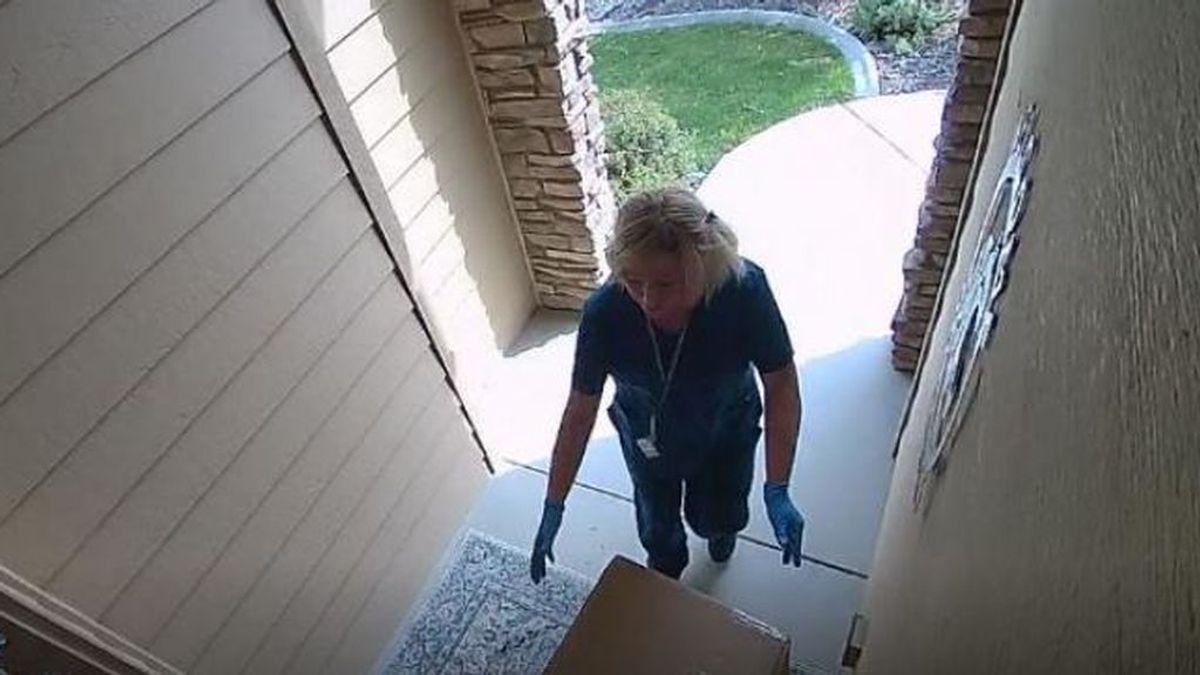 Dos mujeres roban paquetes en casas de Estados Unidos haciéndose pasar por enfermeras