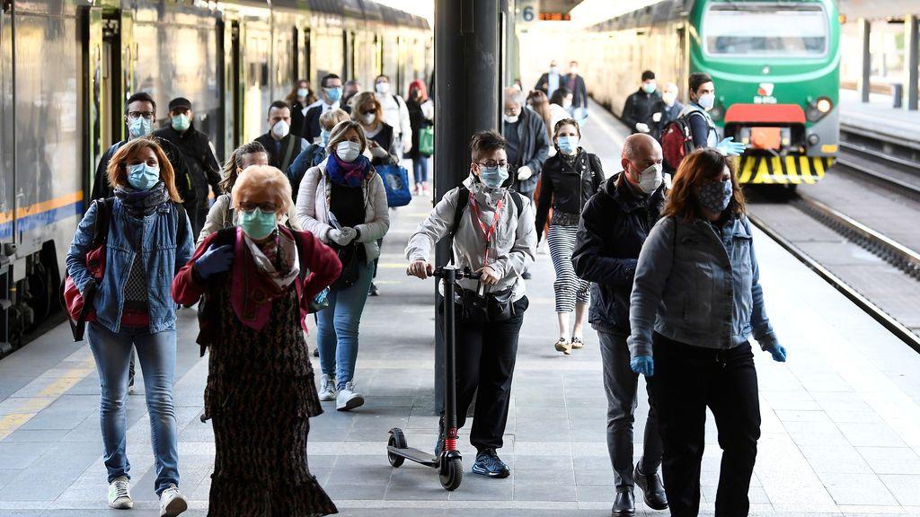 Italia suma otros 195 muertos y los casos activos caen por debajo de los 100.000