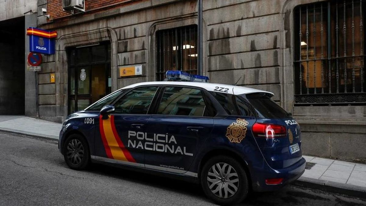 Tres detenidos en Ibiza por estar en la playa fuera del horario permitido e increpar a un agente