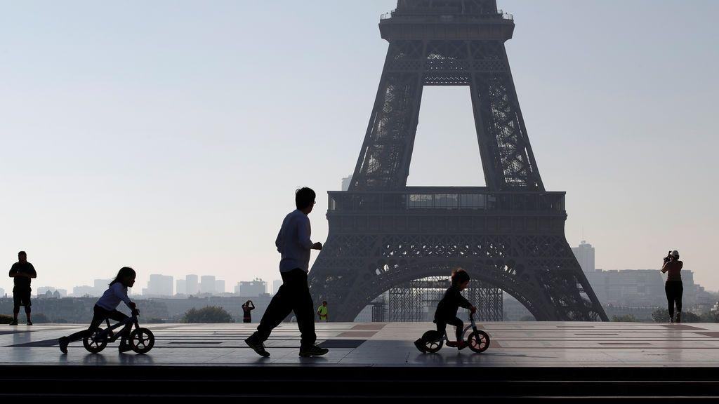 """Macron sobre las vacaciones de verano en Francia: """"Es demasiado pronto para decirlo"""""""